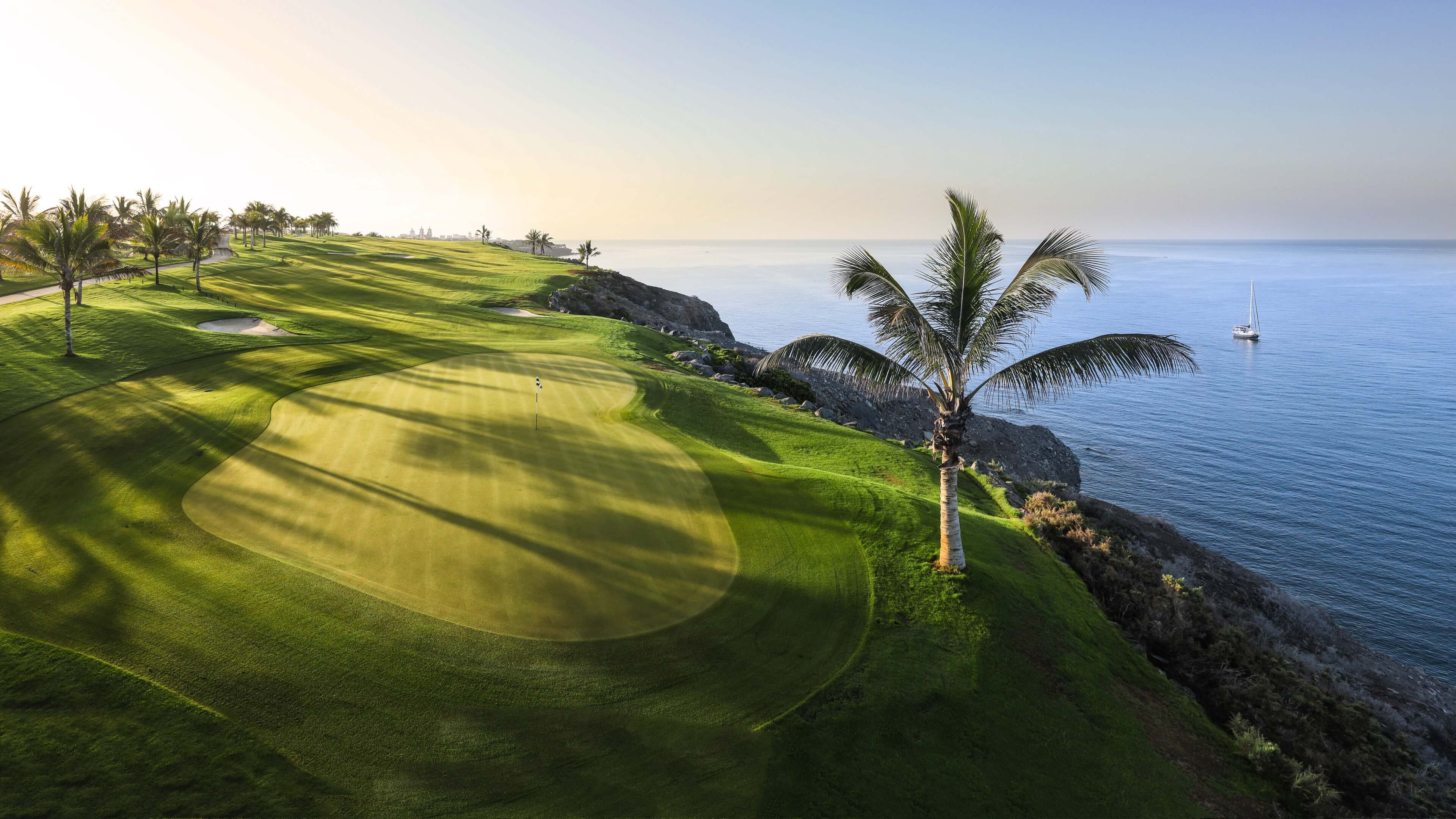 Play golf in Canary Island